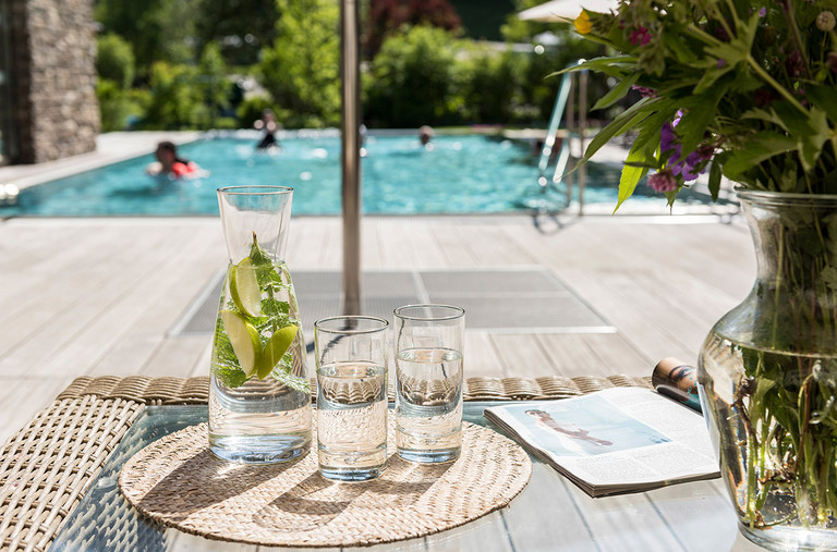 Enjoy the sunny hours next to the pool