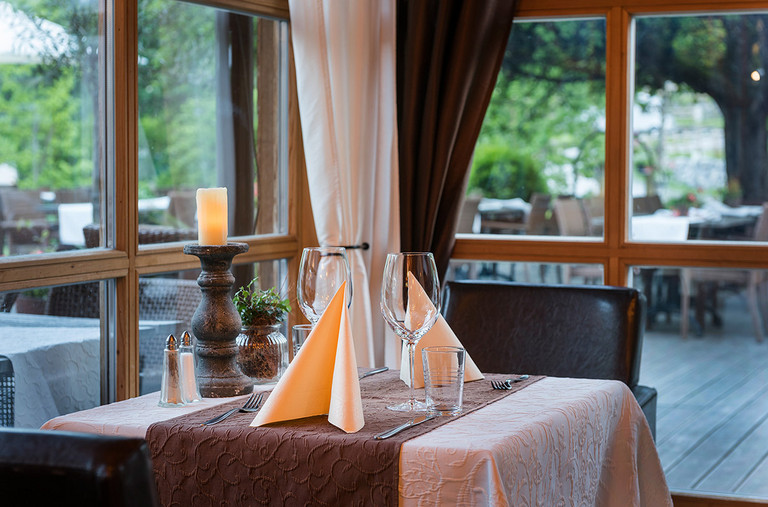 Enjoy the Austrian cuisine at the Garfrenga Restaurant
